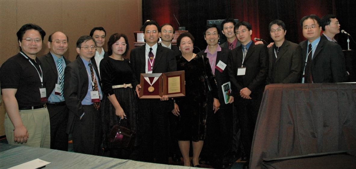 Dr. Cheng was honored to be selected as the 2006 Godina Traveling Fellow
